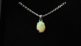 Opal-necklace